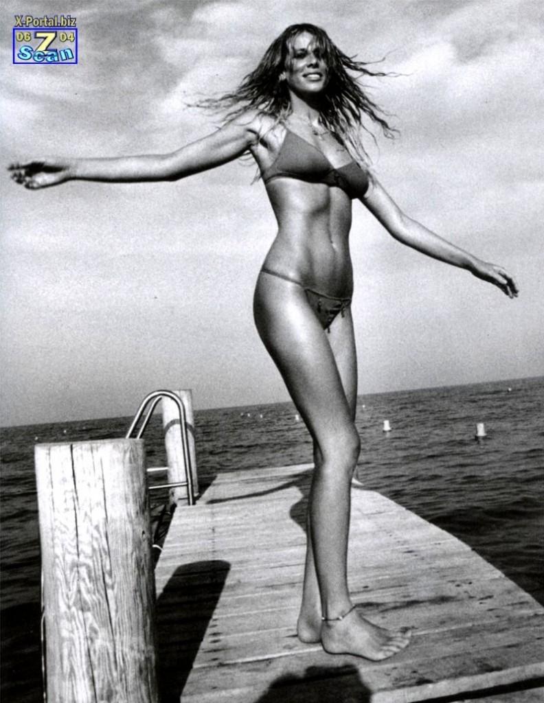 Foto di Vanity Fair ispirata a Brigitte Bardot. Costume: Kristina Ti