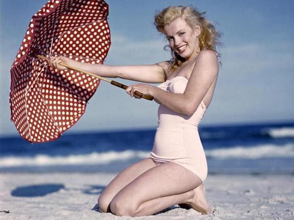 Costume Da Bagno Pin Up Anni 50 : The swimming costume: changes over the years la pinella
