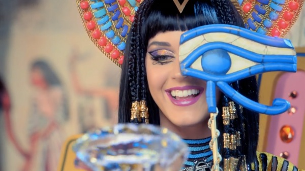 katy-perry-dark-horse-music-video-11-600x337