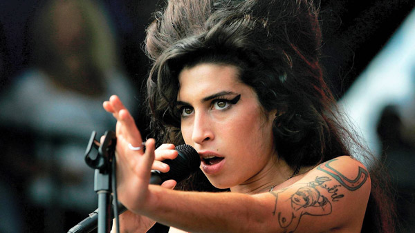 Amy-Winehouse-HD-Wallpaper