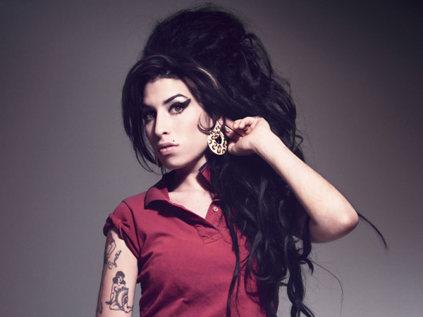 amy-the-girl-700x525