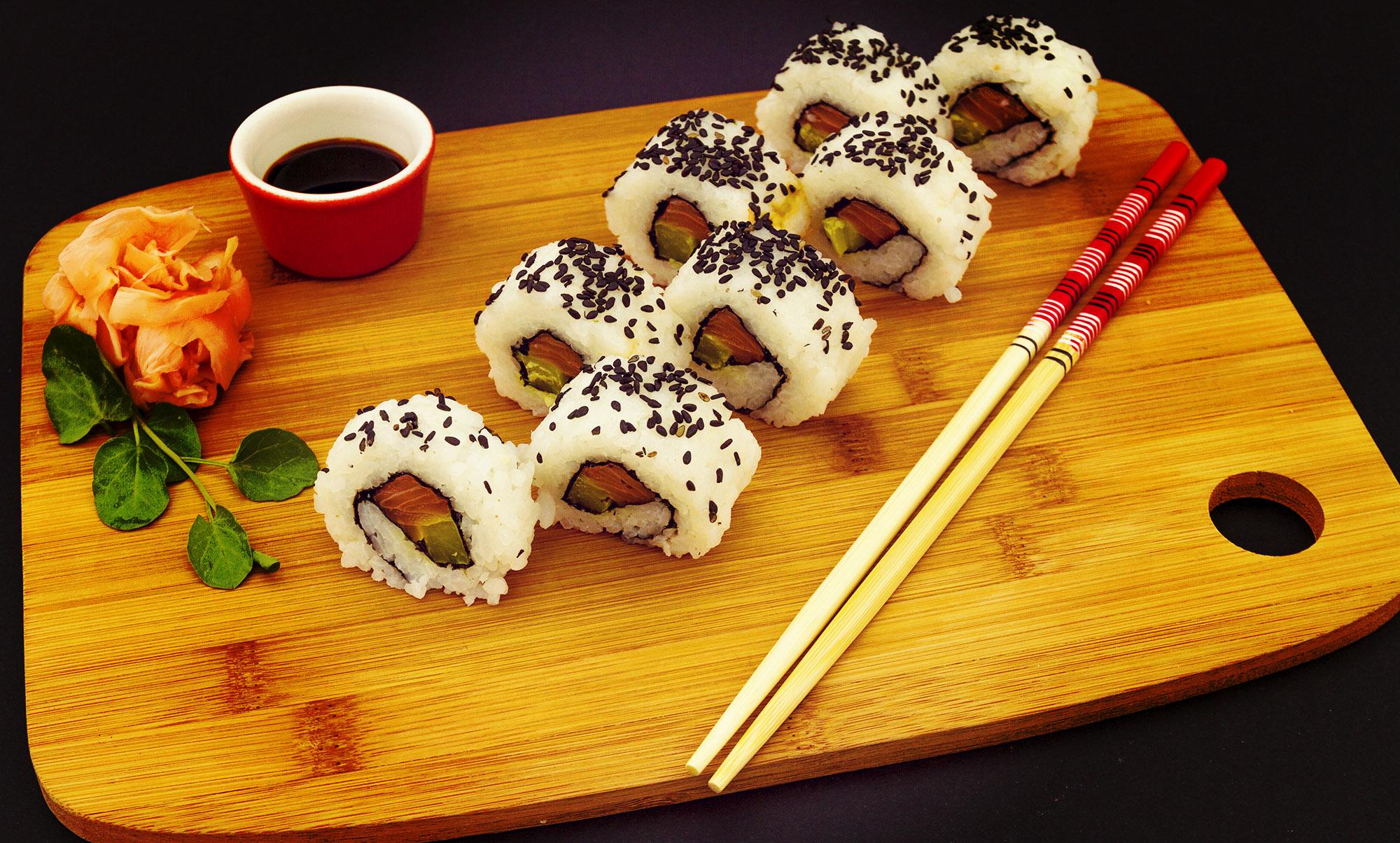 roll con salmone e tonno