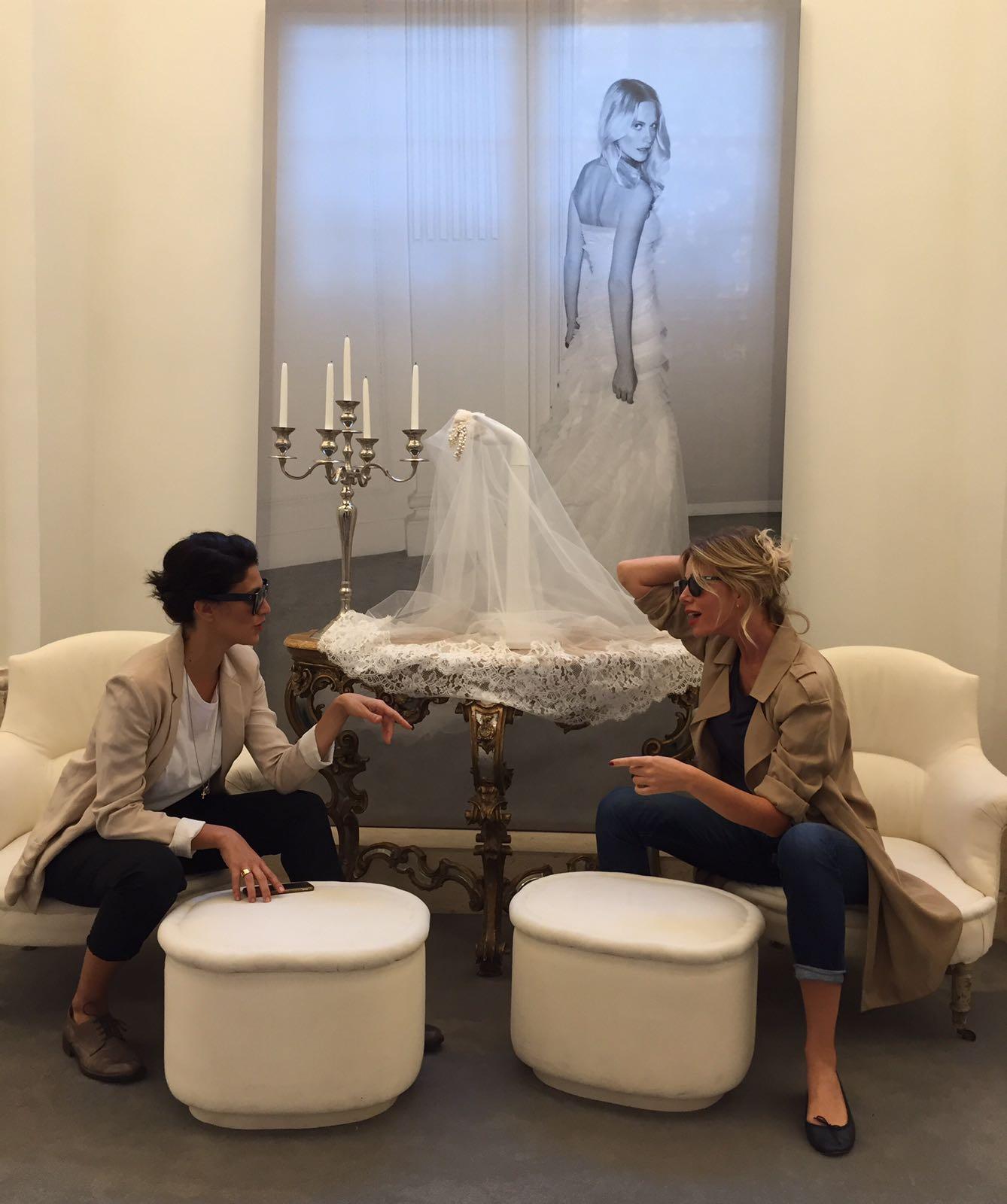Giulia Bevilacqua ritira l'abito del matrimonio