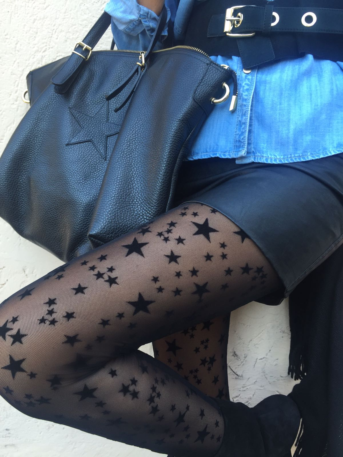 Look autunnale, calze a stelle