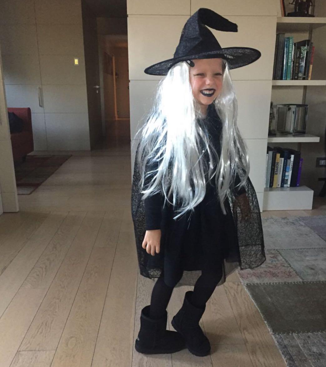 Halloween Mia 4