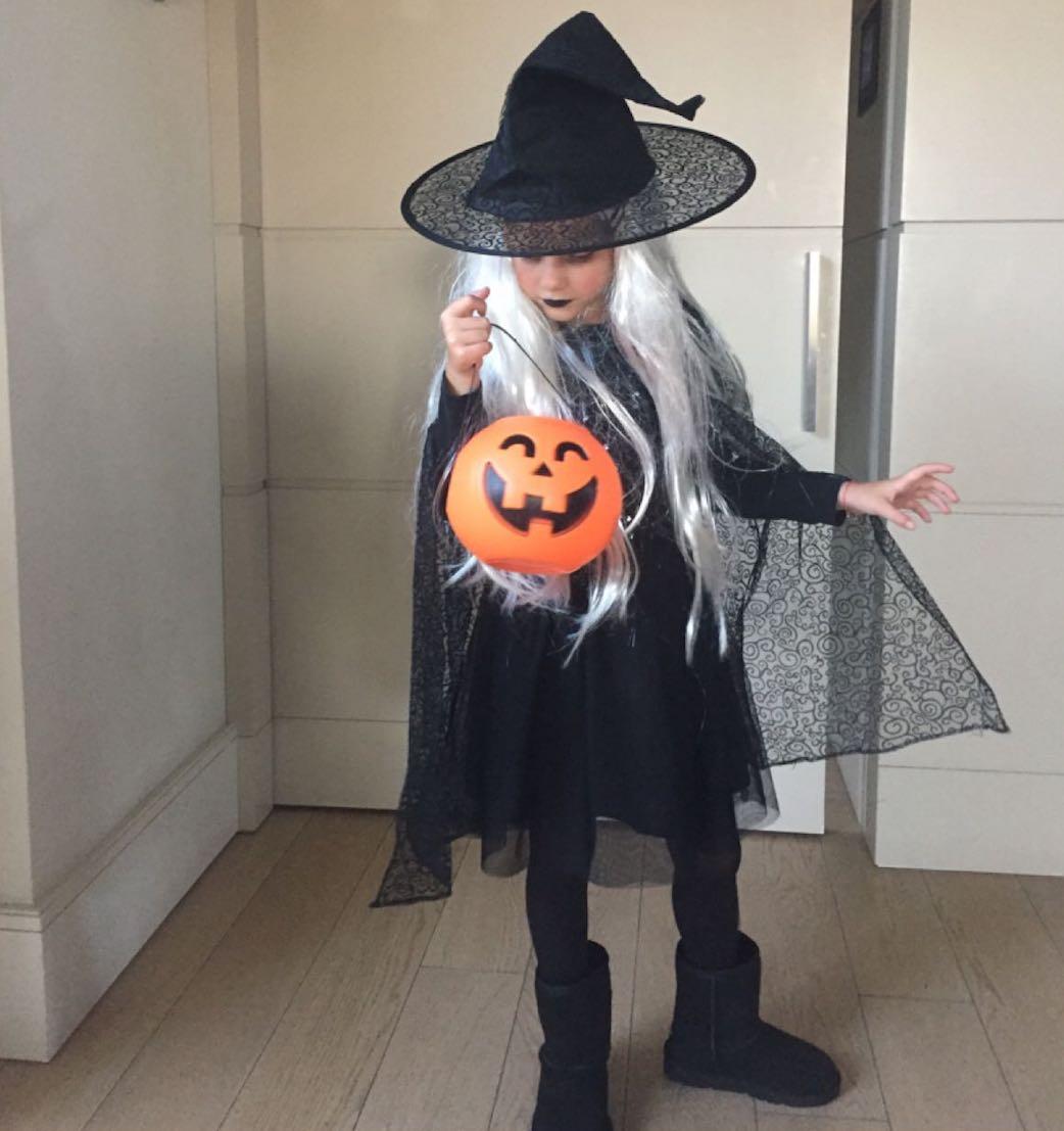 Halloween Mia 5