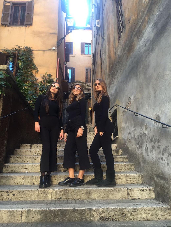 accademia-claudia-scutti-ragazze-scalinata 5
